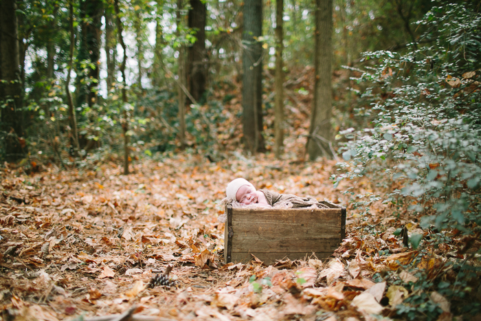 outdoor newborn pictures